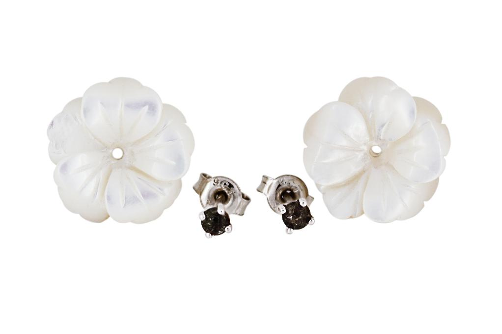 9ct White Gold, Black Diamond and Mother-of-Pearl Flower Studs
