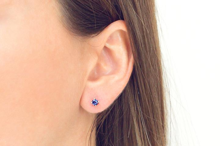 18ct White Gold and Tanzanite Stud Earrings