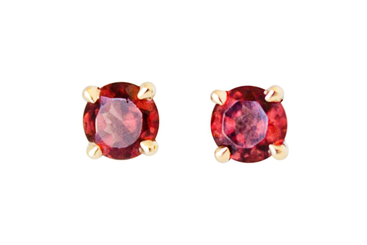 9ct Yellow Gold and Garnet Stud Earrings