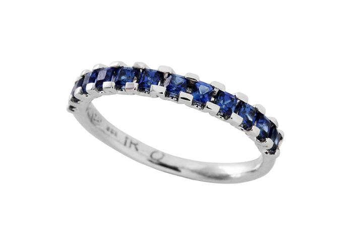 Blue Sapphire Princess ring in 9ct White Gold