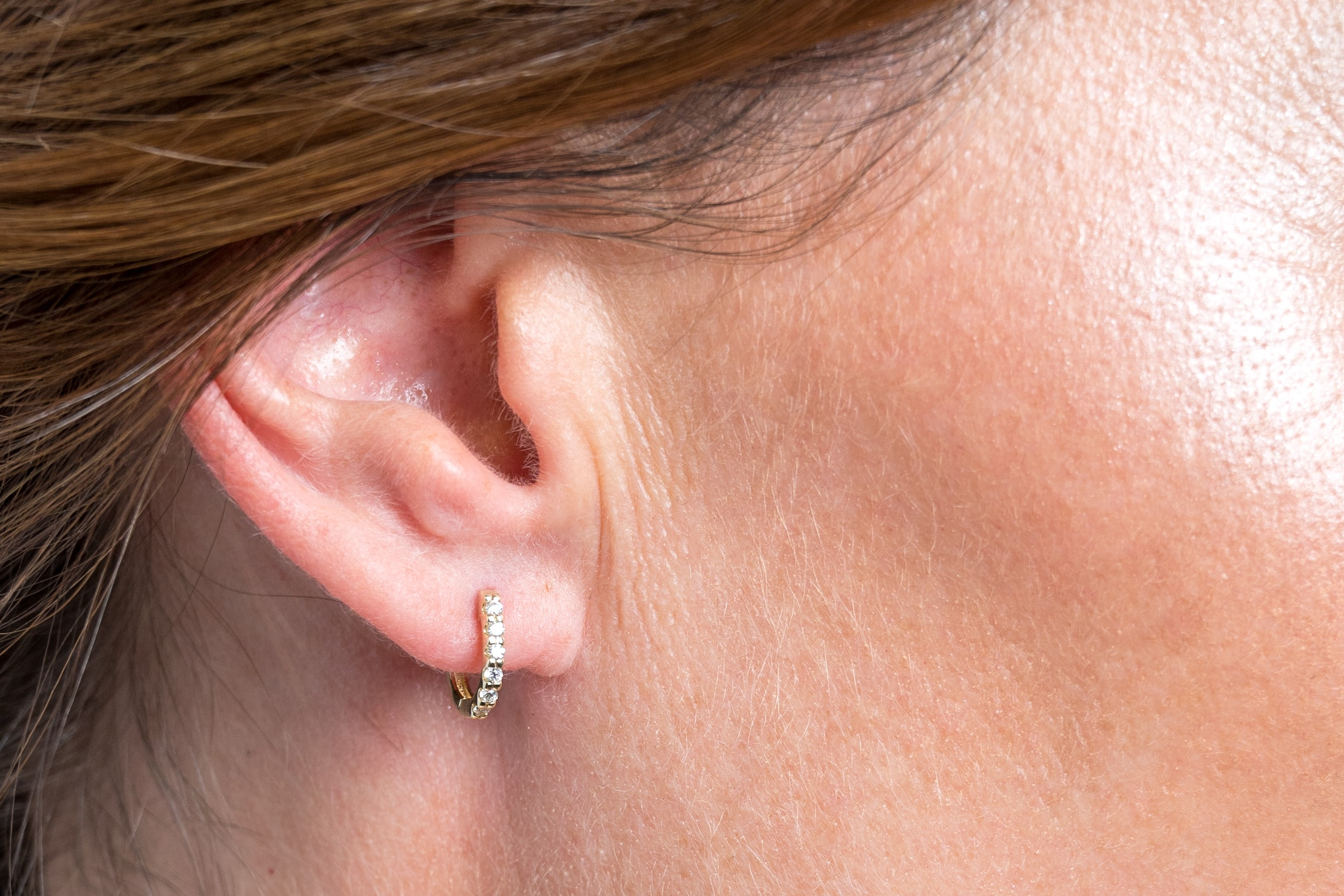 Mini 'U' Diamond Huggy earring