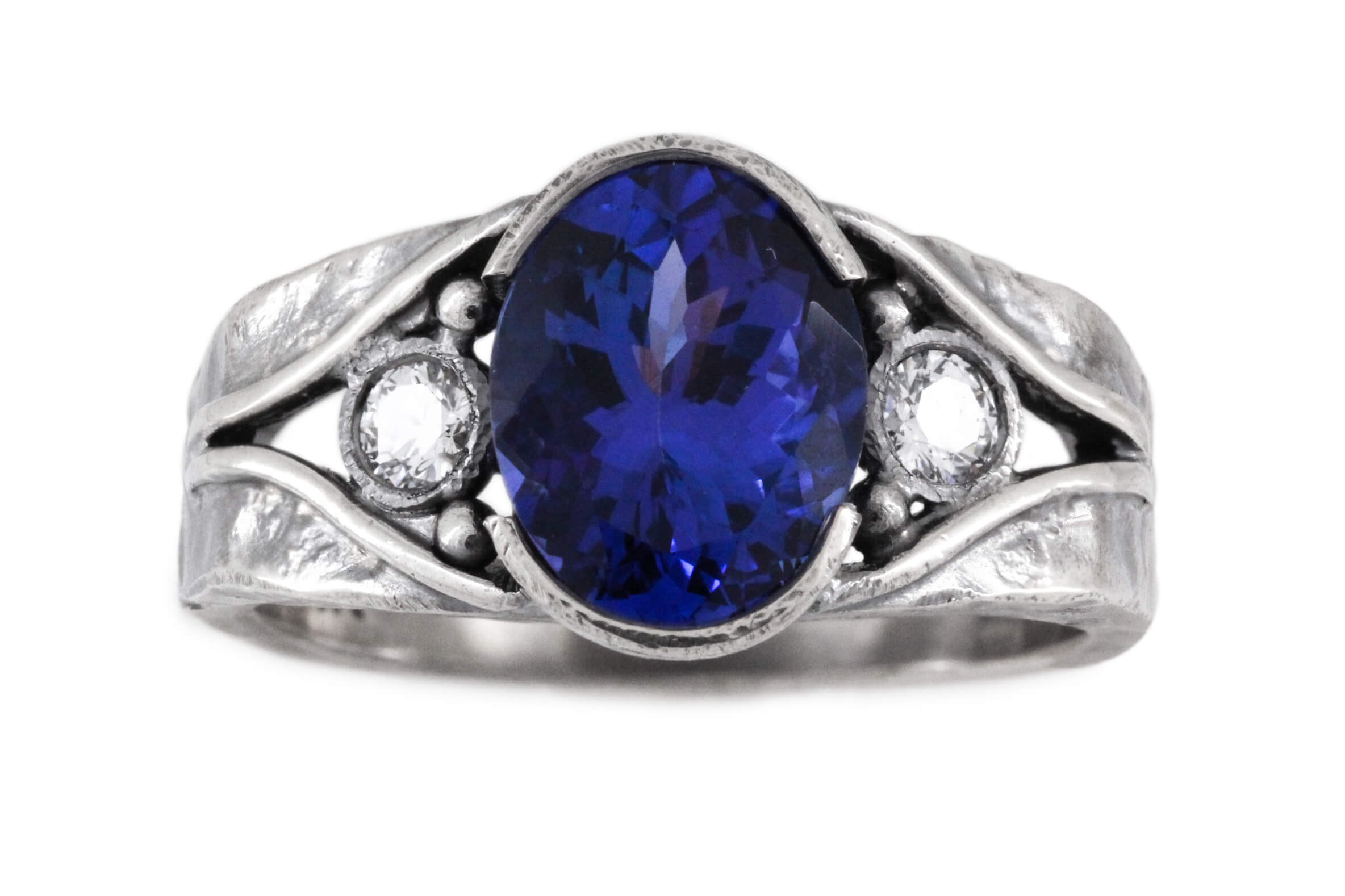 Oval Tanzanite And Diamond Ring   1