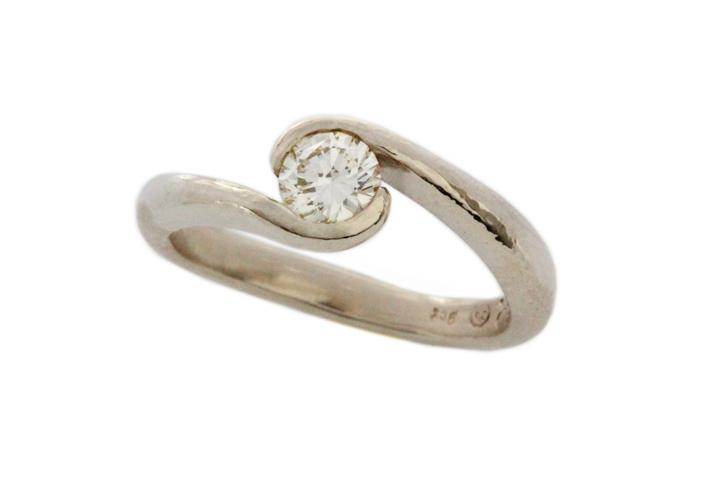 White Gold & Diamond Overlap Ring