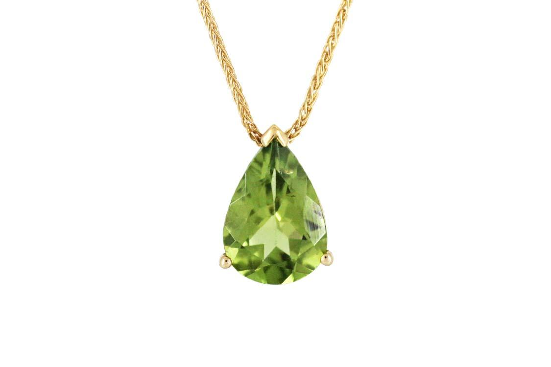 Pear-Shaped Peridot Pendant in 9ct Yellow Gold