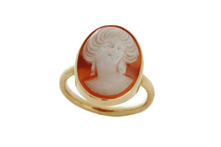9ct Yellow gold & Carnelian cameo ring