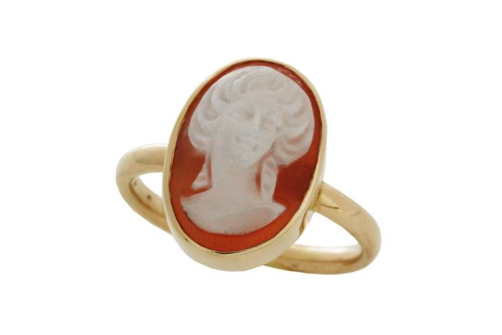 9ct Yellow gold & Carnelian cameo ring (sml)