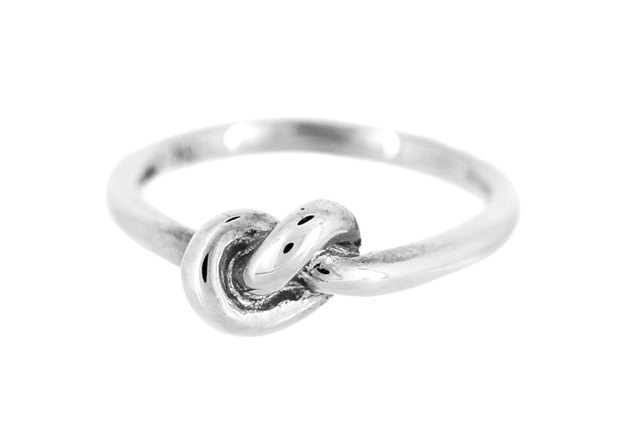 Knot Ring in Silver (medium)